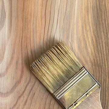 Colorare bordeaux, patine sur bois, créer un effet bois, pinceau bois