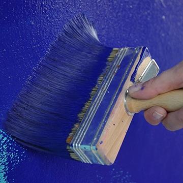 badigeon de chaux bleu, bleu outrmer, bleu klein, peinture bleu intense